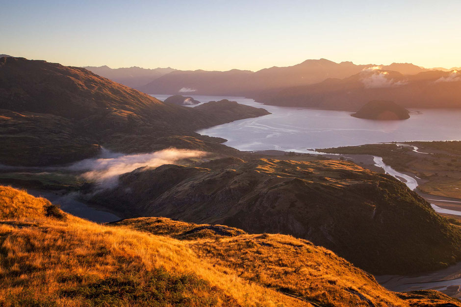 Rocky Mountain Sunrise. Best Hikes in Wanaka