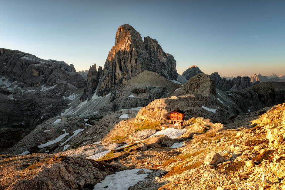 Pian di Cengia hut at sunrise with Croda Dei Toni in the background