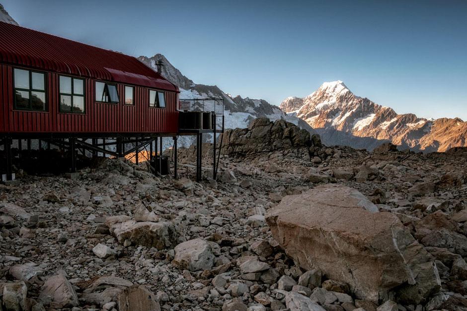Mueller Hut. Best backcountry huts in New Zealand.