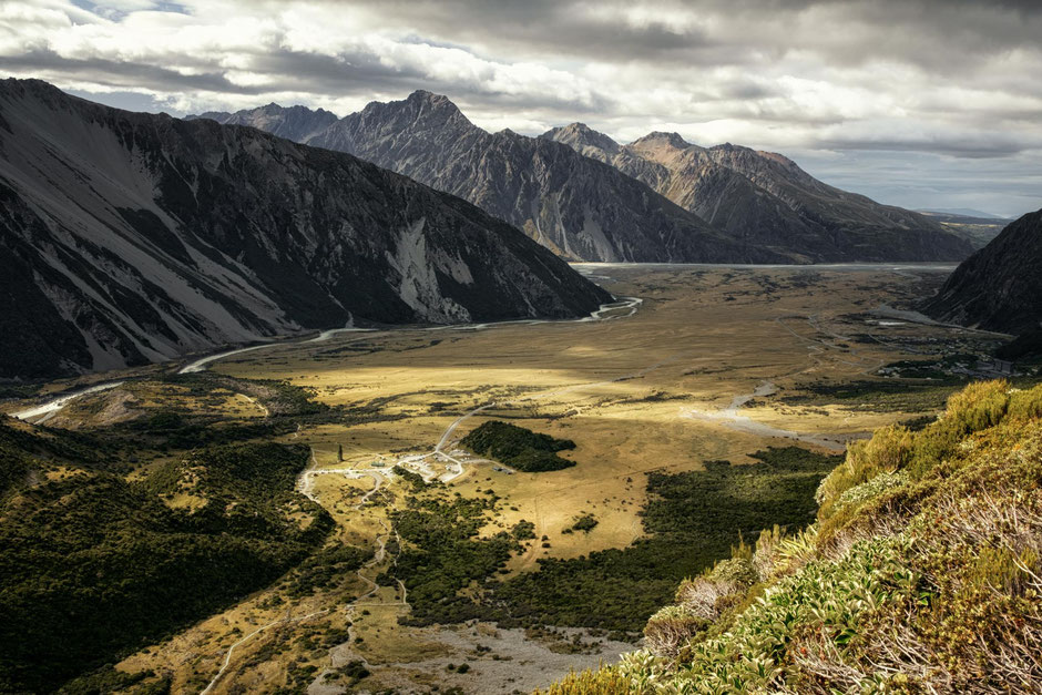 Whitehorse Hill Campground from the trail up to Sealy Tarns. Guide to Mount Cook National Park