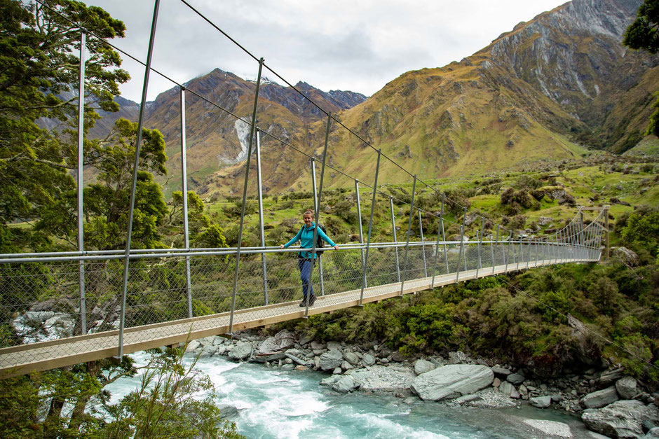 Suspension bridge on the Rob Roy Glacier track