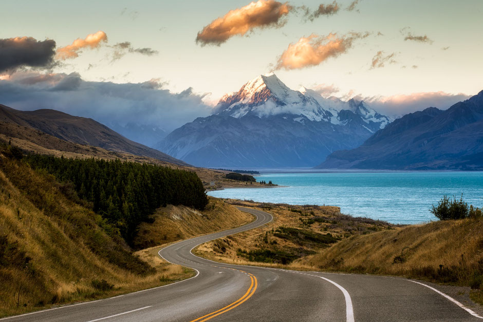 State Highway 80 leading to Mount Cook National Park