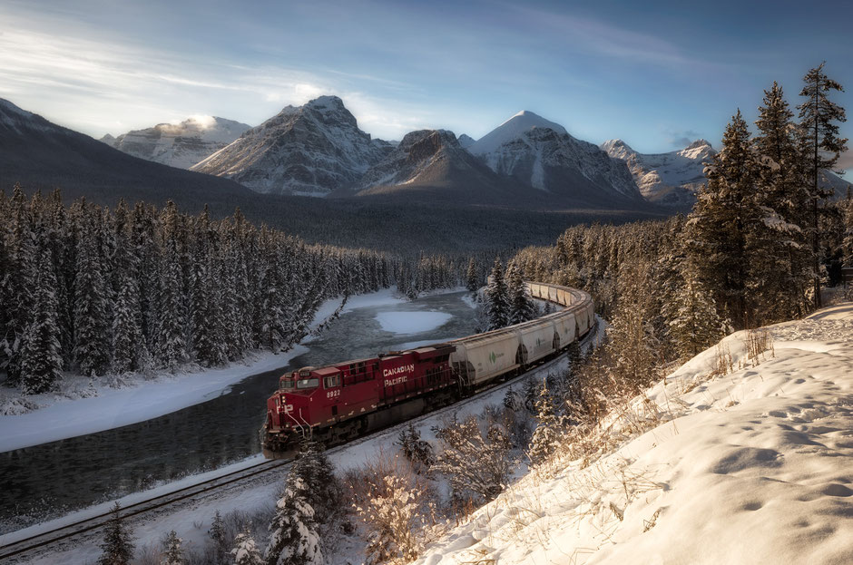 Morant's Curve - an iconic photo location in Banff National Park