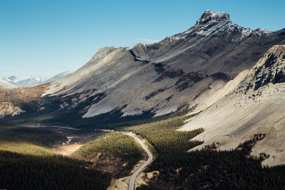 Icefields Parkway viewed from the Parker's Ridge