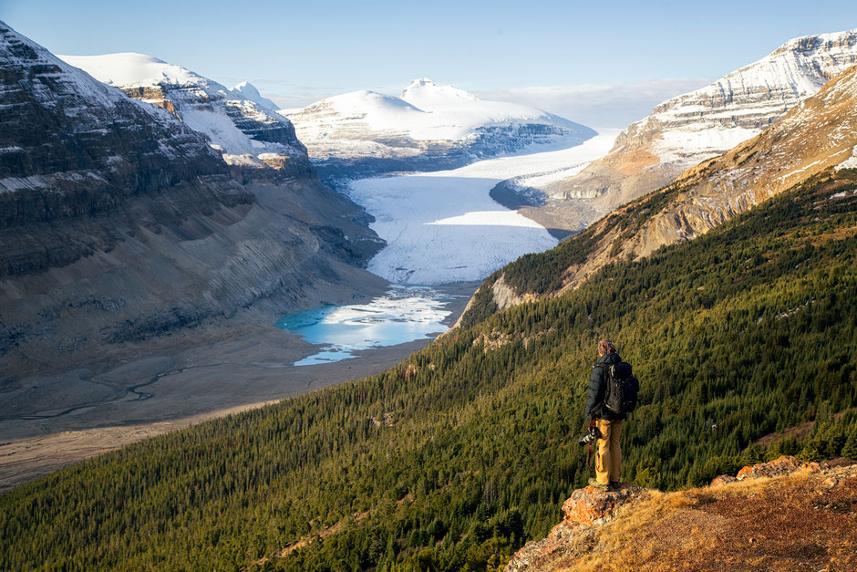 Saskatchewan glacier tongue viewed from the Parker ridge. Top day hike in the Canadian Rockies