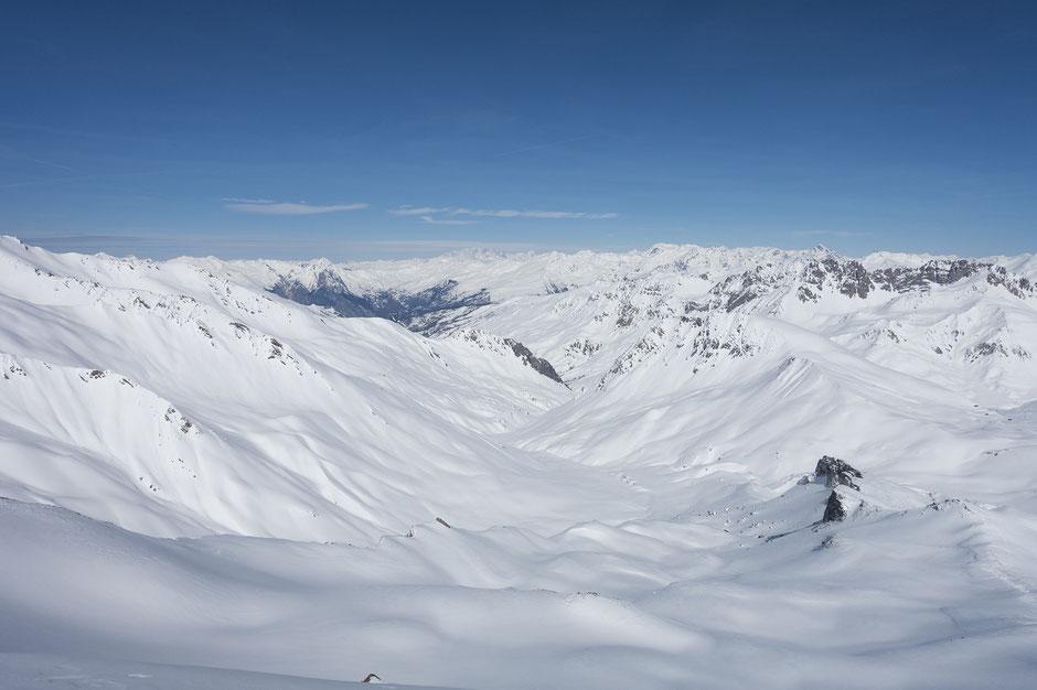 En haut du Pic Blanc du Galibier en raquettes