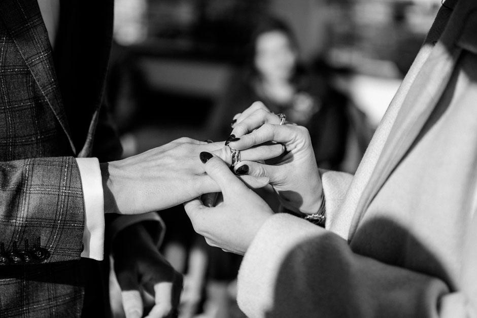 Hochzeit im Winter Winterhochzeit Heiraten im Winter mit freier Trauung Redner Bayern Österreich, Schnee Trauzeremonie