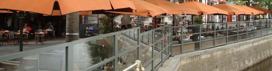 Stabile Windschutzanlage für Terrasse