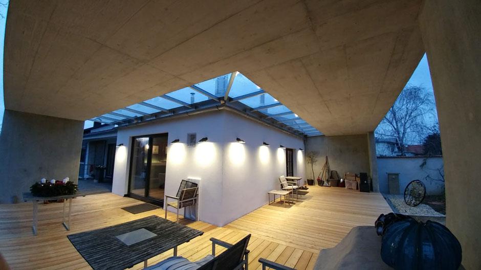 Zubauten und Terrassengestaltungen