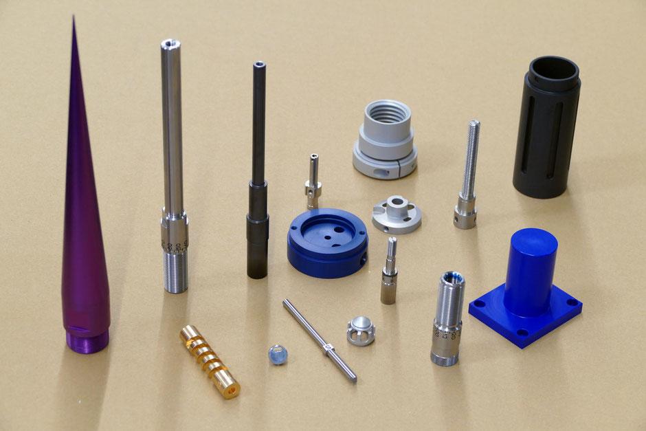 Rogenmoser Beispiele für CNC Drehteile, Décolletage aus verschiedenen Materialien