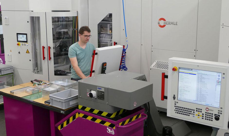 Rogenmoser Feinmechanik CNC-Fräsen bis 5 Achsen für Teile aus Stahl, Kunststoff, Aluminium, Buntmetalle
