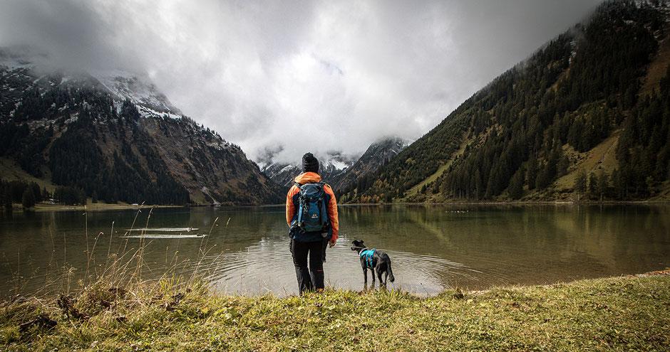 Vilsalpsee Tannheimer Tal Tirol Wandern mit Hund in Tirol Bergurlaub mit Hund, Wandern mit Hund, Urlaub mit Hund, Bergurlaub mit Hund, Tirol, Tannheimer Tal, Vilsalpsee
