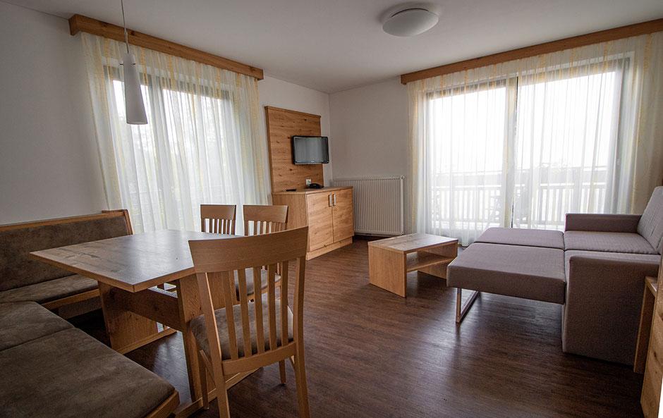 Pension Hahnenkamm Schenna, Urlaub in Südtirol, Hotel in Südtirol, Unterkünft in Südtirol, Bergurlaub mit Hund, Urlaub in Südtirol