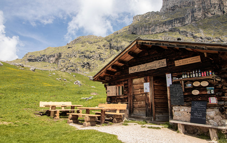 Seceda Wandern in Südtirol Grödnertal Pieralongia Alm