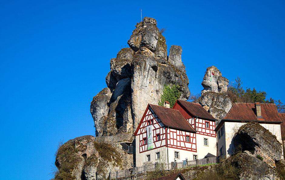 Felsendorf Tüchersfeld, Wandern mit Hund, Urlaub mit Hund, Bergurlaub mit Hund, Wandern in Franken