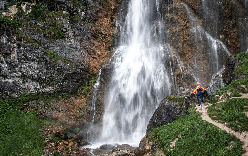 Wandern mit Hund, Reisen mit Hund, Wandern in Tirol, Dalfalzer Wasserfall, Achensee