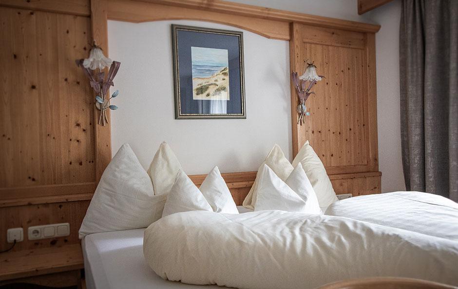 Hotel Alpenrose Pertisau, Achensee, Hotel in Tirol, Bergurlaub mit Hund, Reisen mit Hund, Urlaub mit Hund in den Bergen, Doppelzimmer Alpenrose