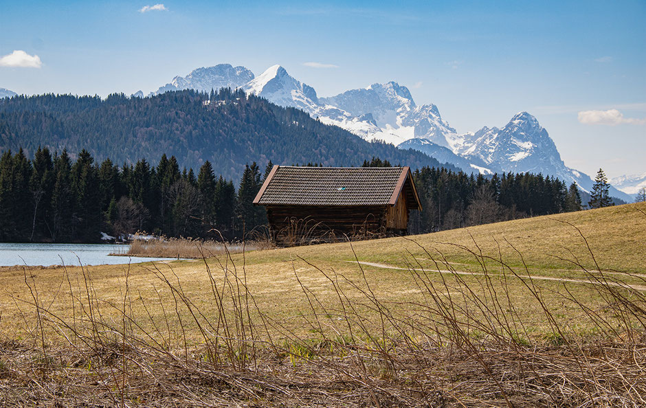 Blick vom Geroldsee ins Wettersteingebirge