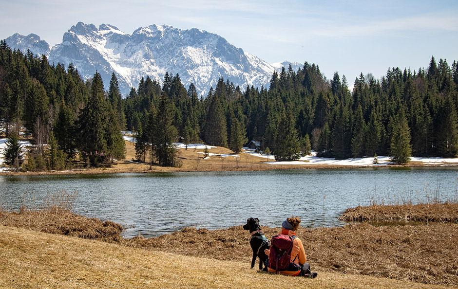 Geroldsee und Karwendelgebirge, Wandern mit Hund, Urlaub mit Hund, Bergurlaub mit Hund, Wandern in Bayern