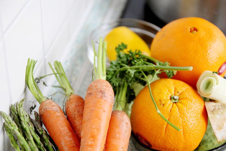 Foto von frischem Gemüse und Obst