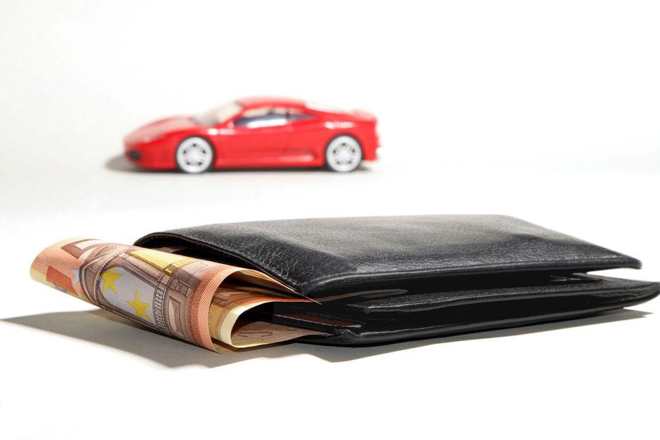 Top versichert mit einer günstigen Autoversicherung unterwegs - mit VERDAS ist die Auswahl groß!