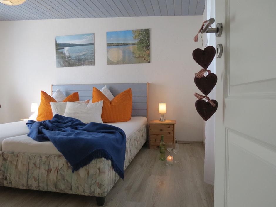 Urlaub Mecklenburg, Ferienhaus mit drei Schlafzimmern am Wald am See