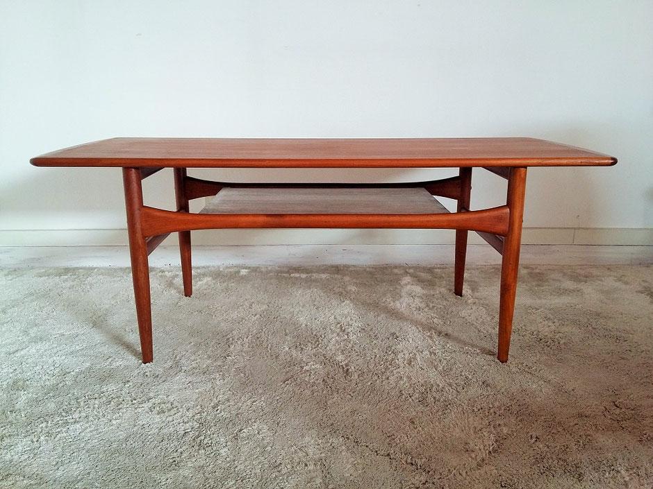 TABLE BASSE VINTAGE SCANDINAVE EN TECK PAR ARREBO MOBLER - 1960