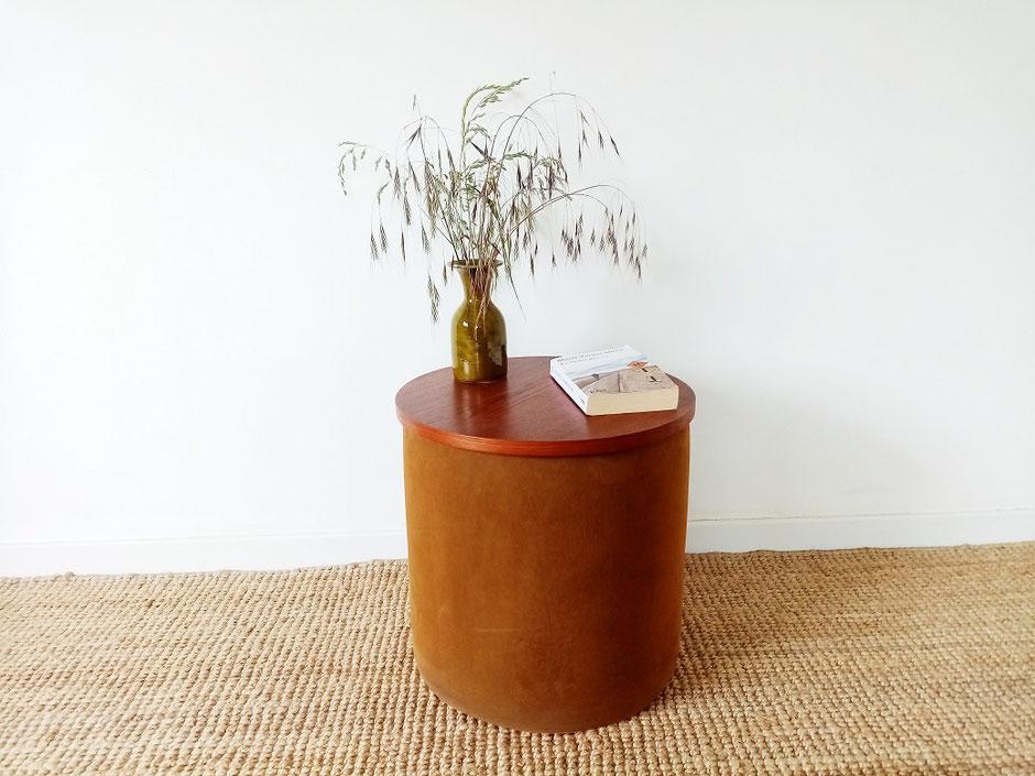 Bout de canapé ou chevet teck vintage proposé par www.muros.fr