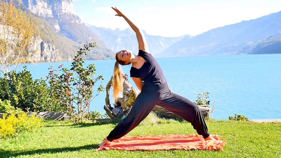 Vinyasa Yoga für Kraft und Energie online Kurs mit Daniela
