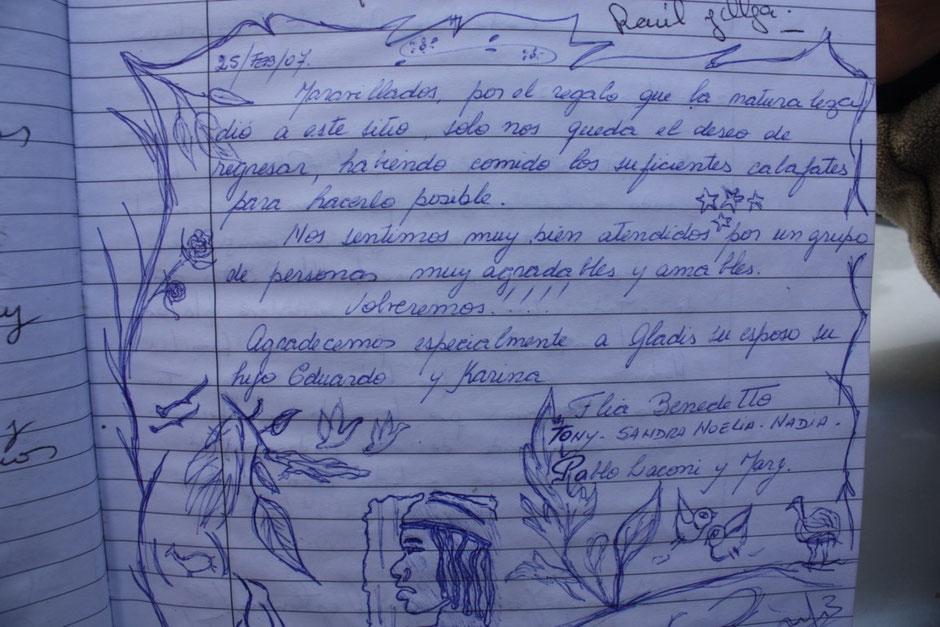 En el libro de visitas conservan el escrito que dejó mi esposa y los dibujos de mis hijos en nuestra primera visita en el año 2007.