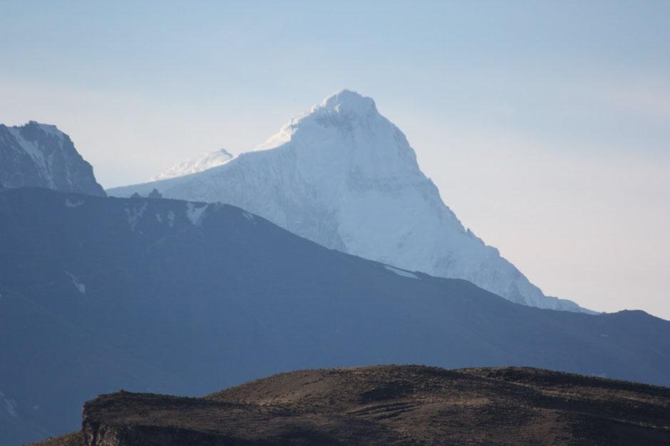 Por la mañana se despejó y con el zoom pude atrapar esta foto del monte San Lorenzo