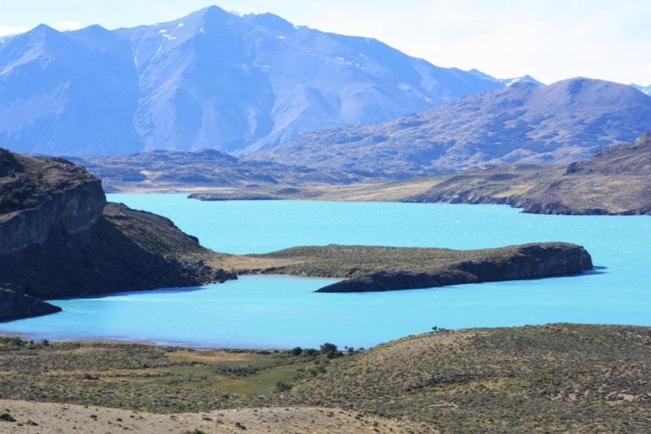 Lago Volcán su color nos deja maravillados.