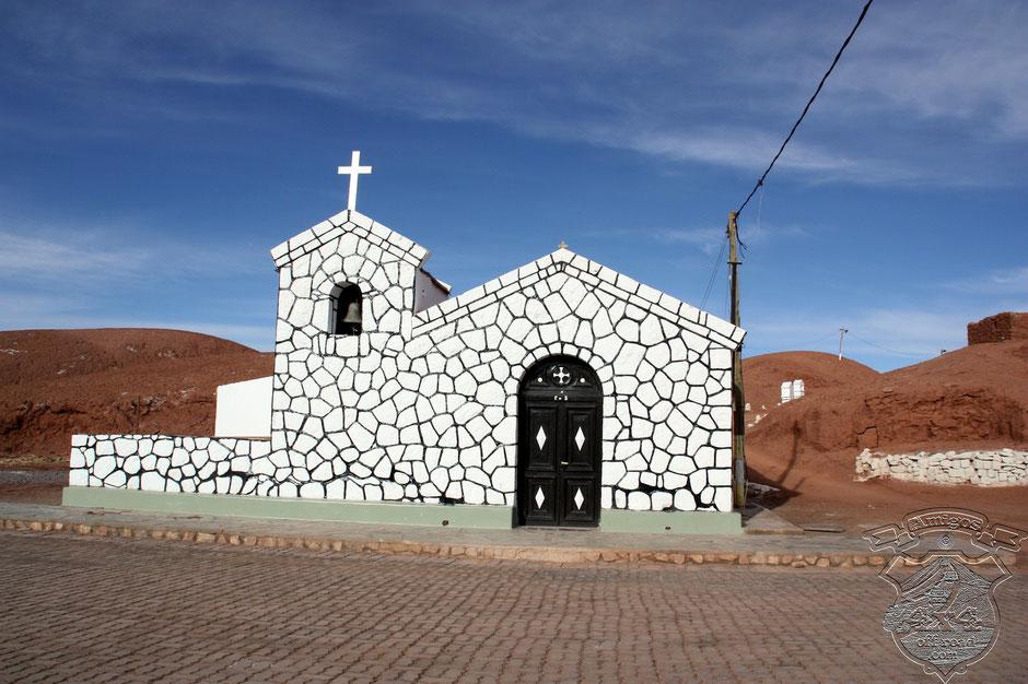 Una verdadera joya de arquitectura local, la capilla de Tolar Grande.