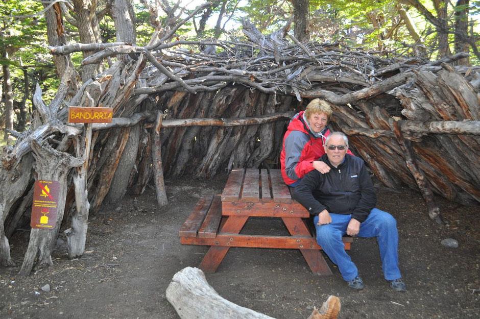 Claudio y Graciela en el refugio.