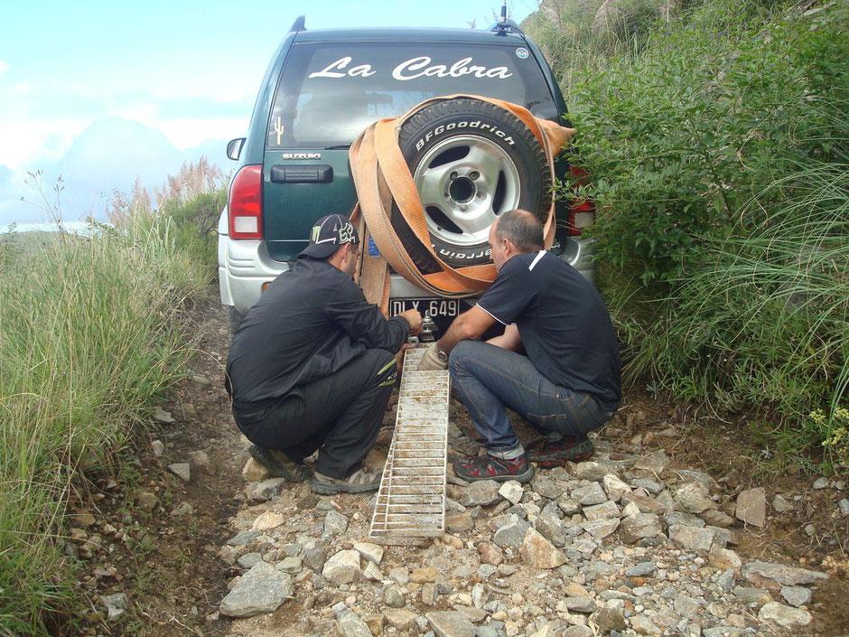 Arrastramos las planchas con la camioneta