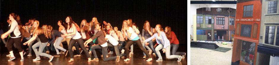 linkes Bild: Schülerinnen und Schüler proben auf der Bühne; rechtes Bild: Bühnenbild