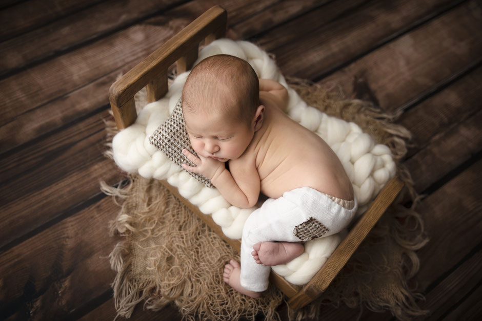 photographe bébé nouveau-né Fréjus, Cannes, Toulon, Hyères, Golfe de St-Tropez, Draguignan