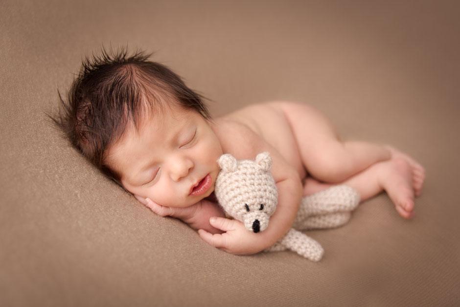 photographe maternité bébé nouveau-né Fréjus, Gassin, Cannes, St Tropez