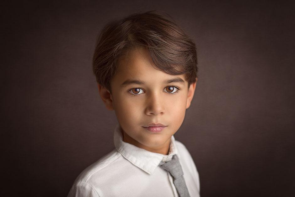 photographe portrait d'enfant fine-art Fréjus, Toulon, Cannes, Sainte-Maxime, Cogolin, Draguignan, Hyères, Monaco