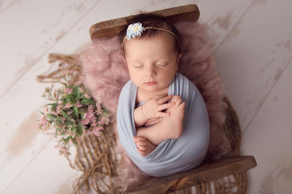photographe nouveau-né bébé à Monaco, Toulon, Fréjus, Cannes, Draguignan, Marseille
