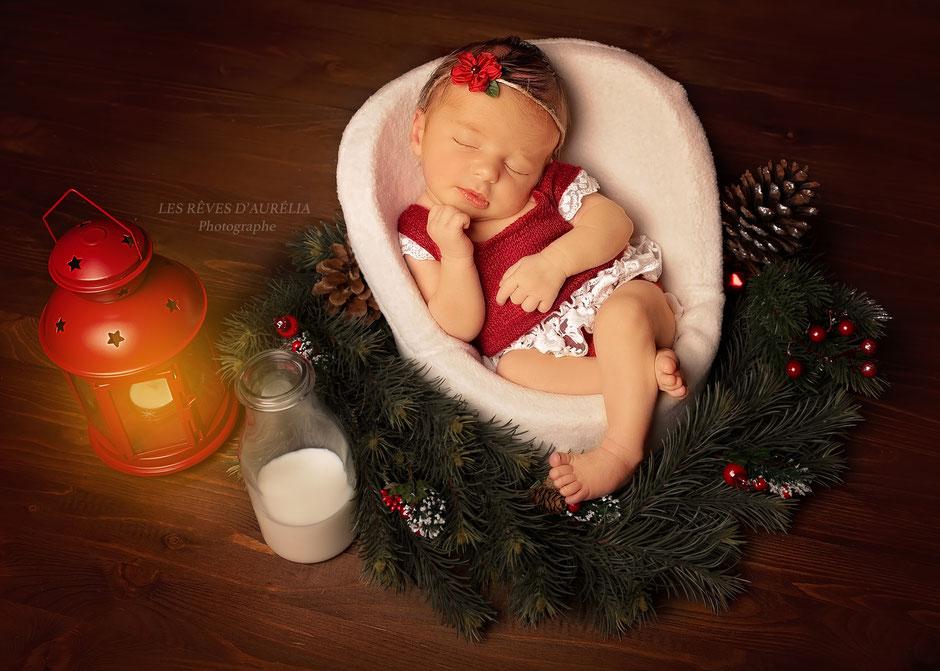 photo de bébé Noël, photo originale, photographe bébé St-Tropez, photographe bébé Var, Photographe bébé PACA