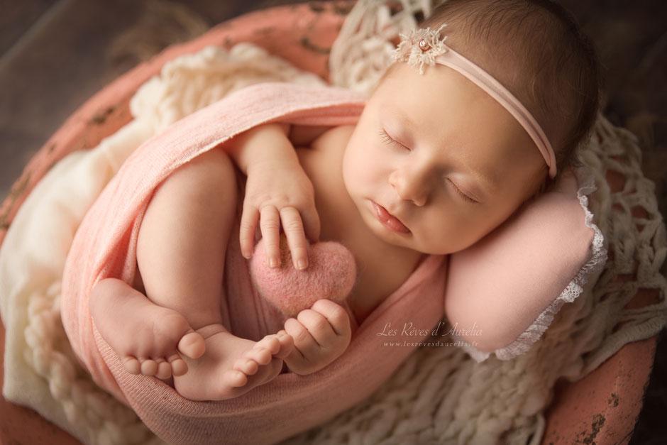 Photographe bébé nouveau-né maternité à Fréjus, Grimaud 83