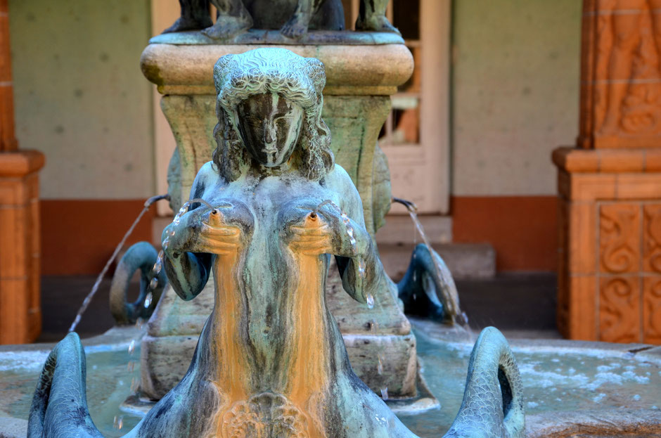 Brunnendetail im Schmuckhof des Badehauses 7, Ort der ersten Ernst-Ludwig-Buchmesse am Palmsonntag, den 09. April 2017, Foto: Petra Ihm-Fahle