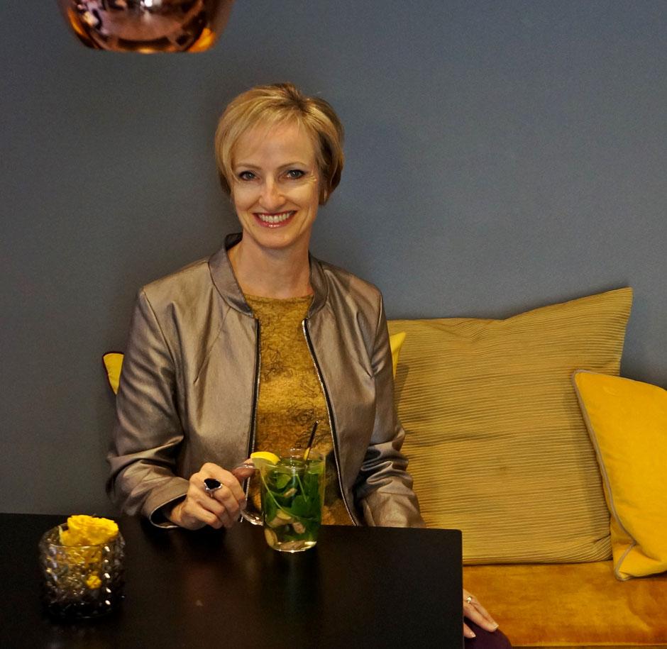 Christina Claussen lädt Sie herzlich zu sich nach Karben in ihren Showroom ein