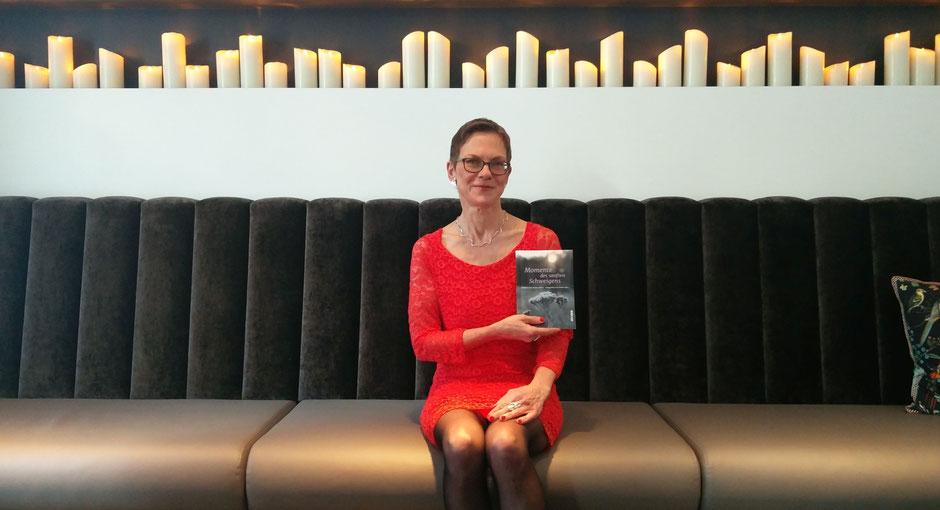 Frauke Ahlers, Autorin und Verlegerin