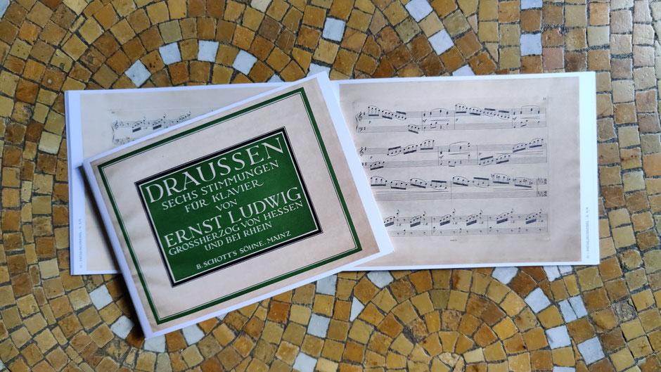 DRAUSSEN- Sechs Stimmungen für Klavier von ERNST LUDWIG - GROSSHERZOG VON HESSEN UND BEI RHEIN. Exemplare wurden zur Unterstützung und zum Verkauf dem Jugendstilverein Bad Nauheim geschenkt.