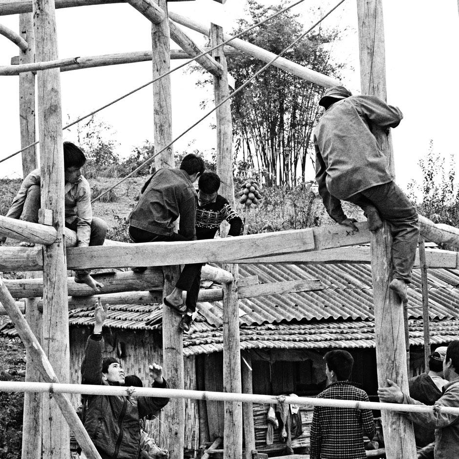 beratung-vietnam-unternehmen-team-arbeiten-gemeinsam-markterkundung-markteintritt