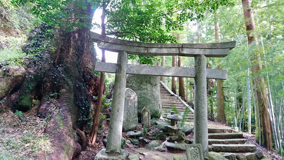 福岡県糸島市二丈一貴山、大田神社 Ota Shrine in countryside,  Itoshima, Fukuoka