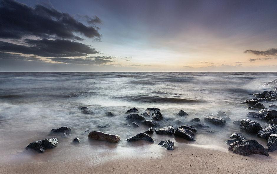 Basaltblokken IJsselmeerkust Stavoren © Jurjen Veerman