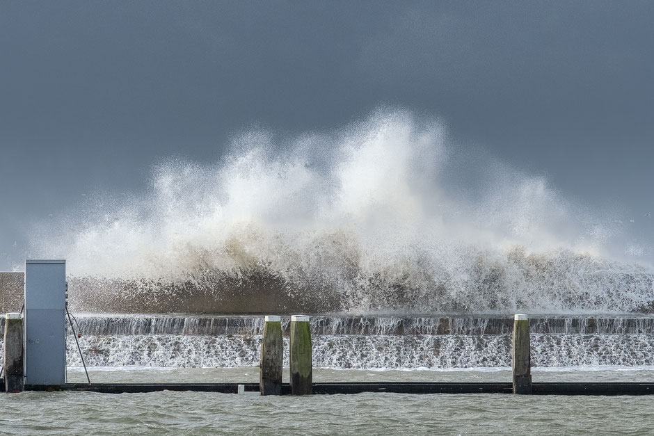 Storm Ciara - Waddendijk Harlingen © Jurjen Veerman